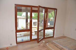 Окна из дерева для загородного дома