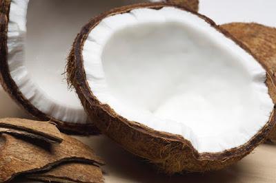 kókusz gyógyhatása, kókusz hatásai, kókusz hatása, kókuszolaj, kókuszzsír, kókuszreszelék, ájurvéda, vata, pitta, kapha