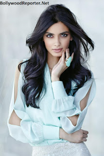 Diana Penty- 5 feet and 10 inches