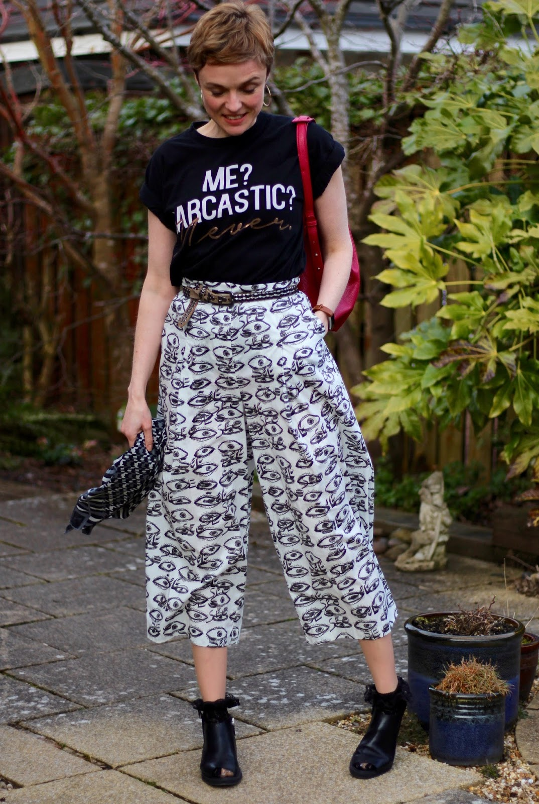 Statement Tee and bold culottes | Over 40 Fashion | Fake Fabulous