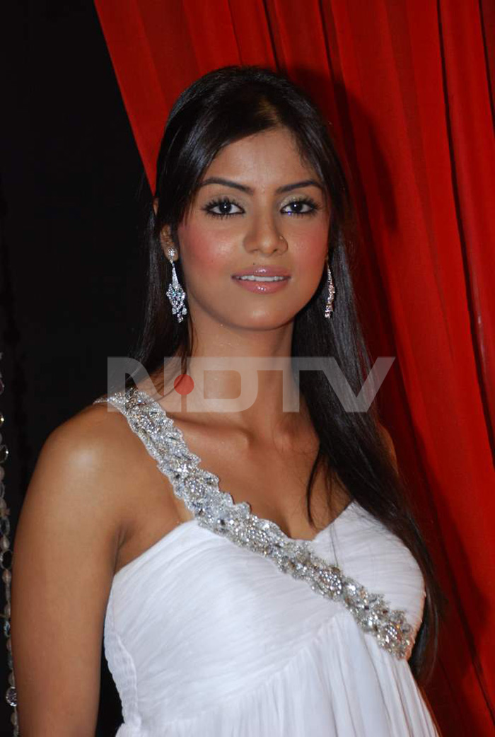 Swimsuit Bikini Girls Sayantani Ghosh Bigg Boss 6 Participent Photos