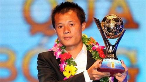 Thành Lương từ một cậu bé bốc vác đến danh hiệu Quả bóng vàng Việt Nam