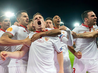 FUTBOL - El Sevilla consigue su tercera Europa League consecutiva