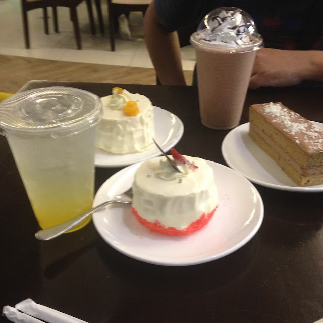 Our late night dessert orders at Fujinoya Cafe