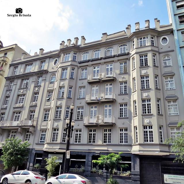 Vista ampla da fachada do Hotel América do Sul - Centro - São Paulo