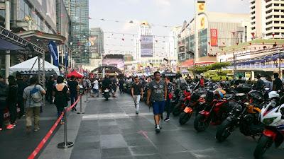 タイ/ワールドトレードセンター
