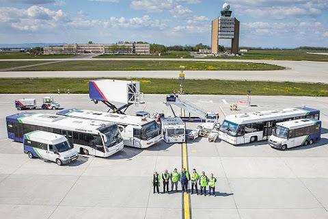 A Légiközlekedési Egyesült Szakszervezet 15 százalékos béremelést tart szükségesnek a repülőtéren