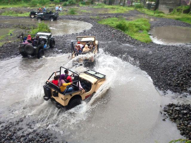 Wisata Air Kali Kuning
