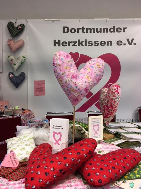 Herzkissenaktion in Dortmund