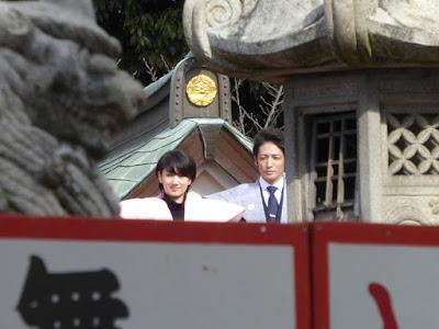 成田山不動尊の節分祭 波瑠(はる)さんと玉木宏さん