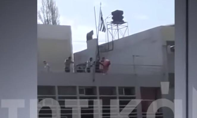 Μαθητές έκαψαν την αλβανική σημαία στο ΤΕΙ Κρήτης (Βίντεο)