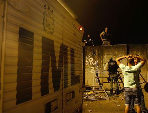 Dois PMs morrem atropelados pelo metrô do Recife e dois ficam feridos