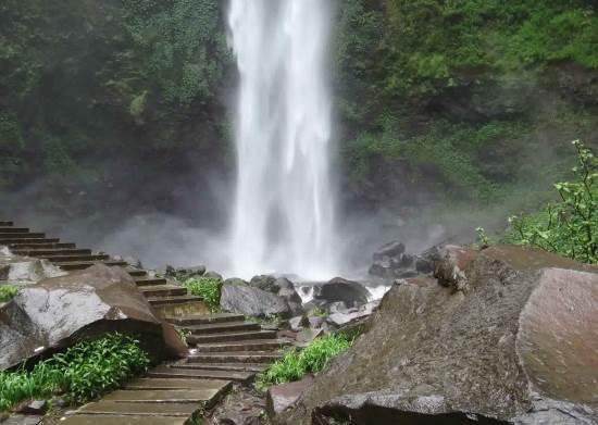 Coban Rondo tempat wisata alam di batu malang