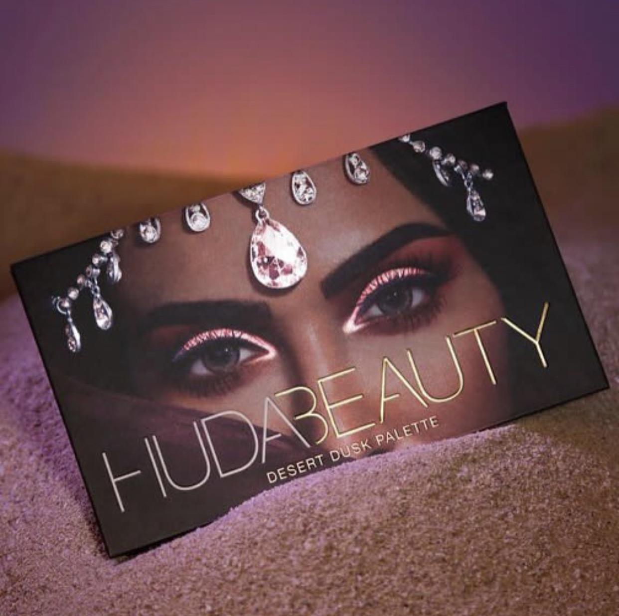 Huda-Beauty-Dessert-Dusk-Eyeshadow-Palette-Vivi-Brizuela-PinkOrchidMakeup
