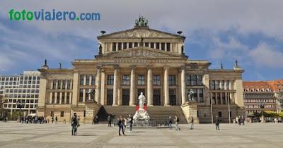 Le-Konzerthaus-à-berlin.JPEG
