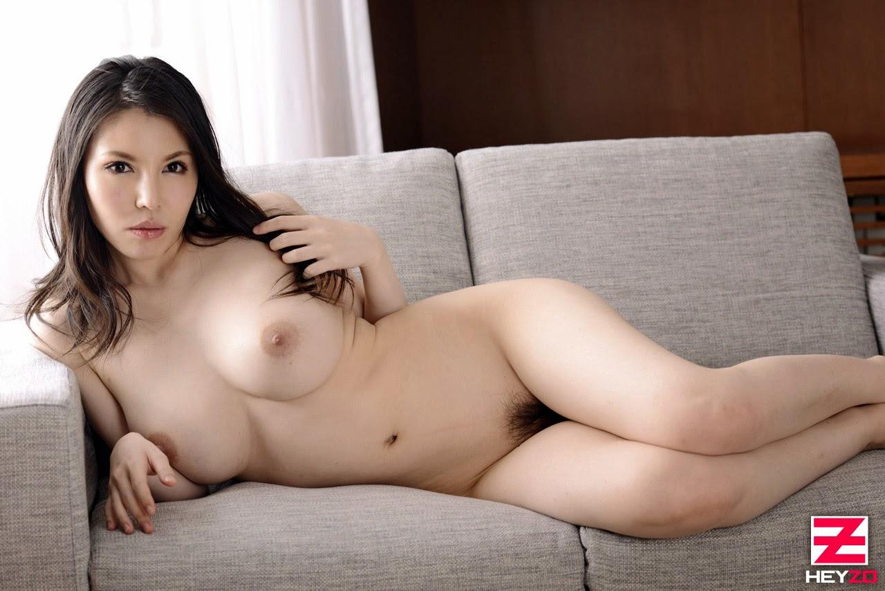 anggun nude