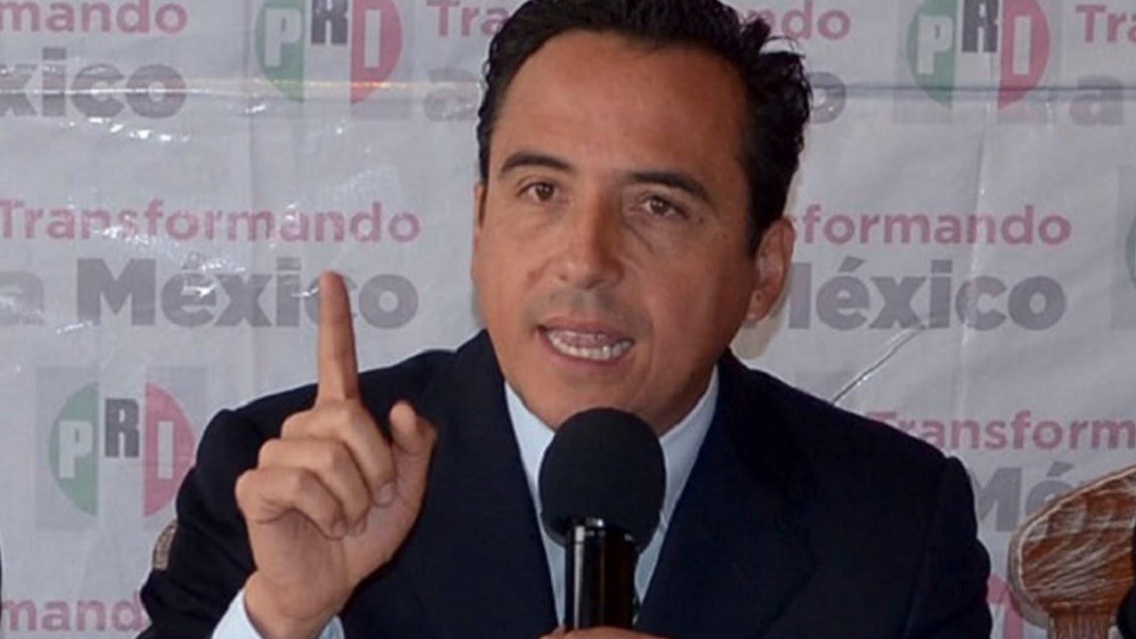 """Diputado del PRI en Puebla: a asaltados en camiones sólo """"les quitan baratijas y unos cuantos pesos""""(VÍDEO)"""