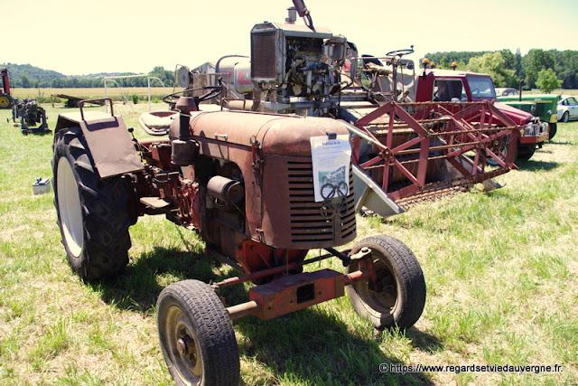 Tracteur agricole ancien Le Babiole BL 35
