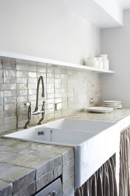 Great kitchen sink content in a cottage - Great kitchen sinks ...