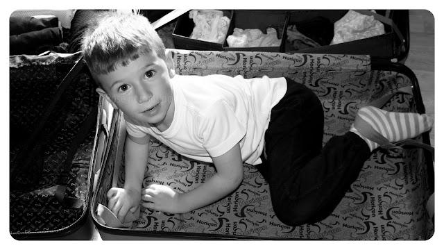 Mon neveu Matéo dans la valise