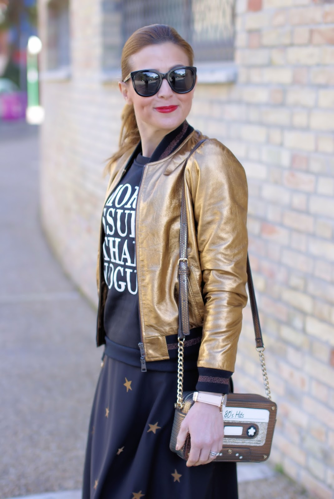 More issues than Vogue Dresslink sweatshirt on Fashion and Cookies fashion blog, fashion blogger styl