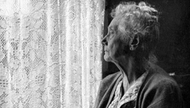 Enam Fakta Seputar Depresi Pada Orang Tua Yang Sebaiknya Kamu Tahu