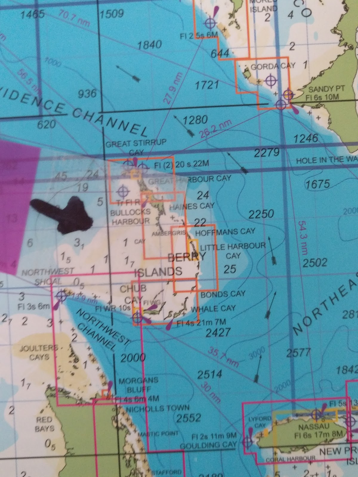 10 00am we turn north heading 3230 toward little harbor cay in the berry islands the berrys lie between new providence and grand bahama