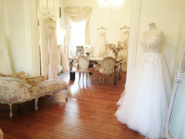 Realizar la segunda prueba del vestido de novia - Foto: www.popsugar.com.au