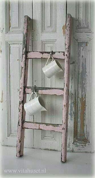 20. Tangga untuk menggantung cangkir atau mug