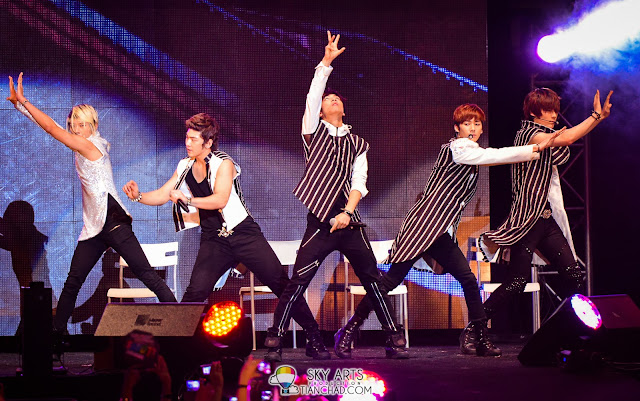 NUEST @ 8TV Shout! Awards 2012