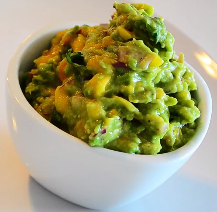 Step-by-step guide to mango guacamole preparation