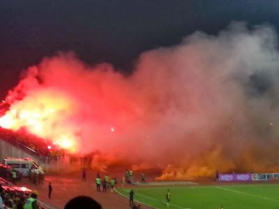 Hasil carian imej untuk penonton di stadium malaysia