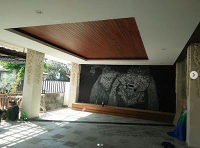 Pemasangan Lambersering kayu Keruing di Kubu Anyar Bali