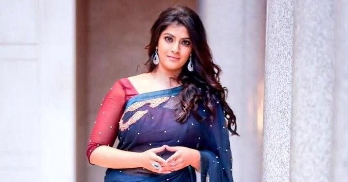 Varalaxmi Sarathkumar In Saree HD Stills