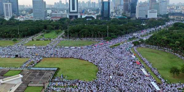 Jutaan Orang di Reuni 212 Tanda Kekuasaan Allah