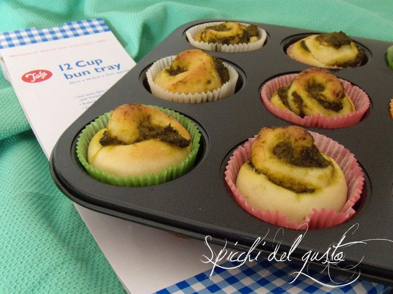 Muffin salati con crema di broccoletti