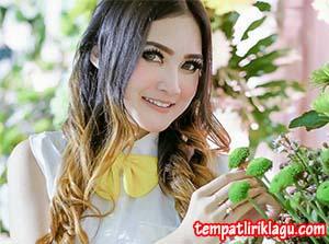 Lirik Lagu Nella Kharisma - Bojoku Dipek Tonggo