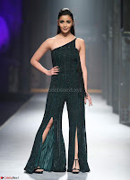 Alia Bhatt super cute in black Jumpsuit 6.jpg