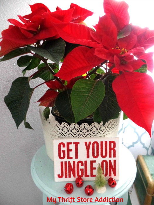 Creating Christmas: A Very Thrifty Christmas mythriftstoreaddiction.blogspot.com Add whimsy to traditional poinsettias with fun signs