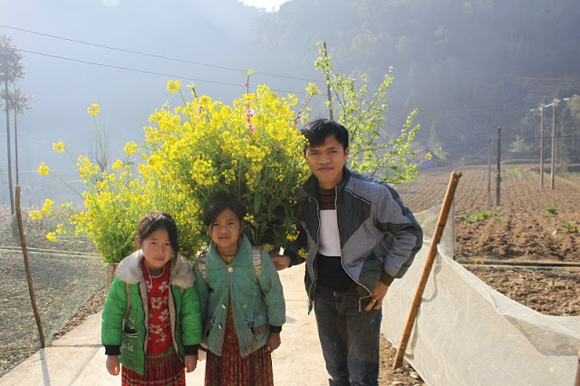 Ha Giang tour - Find Famous Film Set In Lung Cam Village 4