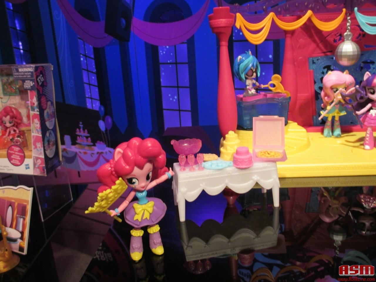equestria girls minis at the ny toy fair 2016 mlp merch