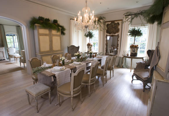 Pam Pierce beautiful dining room Christmas decorated