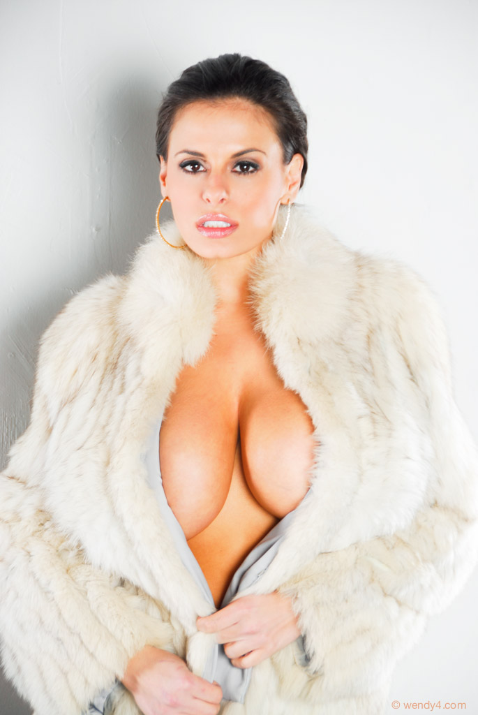 angelina sex in neud