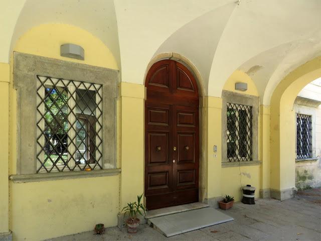 The entrance of the library of Villa Maria, Via Redi, Livorno