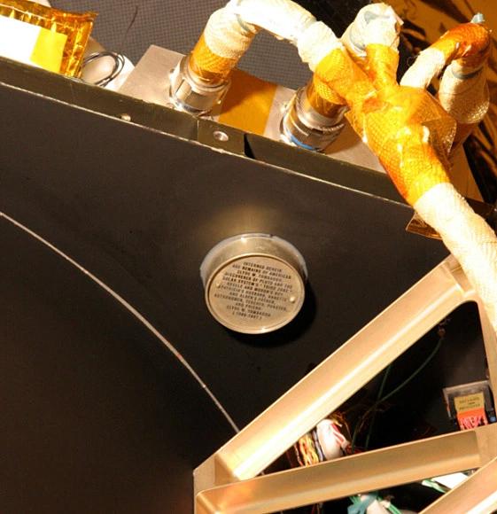 cinzas de Clyde W Tombaugh enviadas pra Plutão