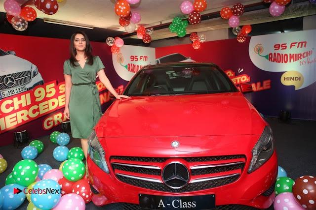 Raashi Khanna at Mirchi 95 Suno Mercedes Jeeto Contest Stills  0014