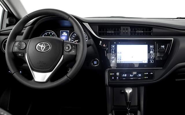 Toyota Corolla XRS 2018 - interior - painel