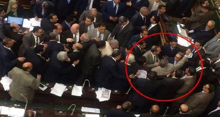 كلام لا يصدق من توفيق عكاشة في أول رد على ضربه بالجزمة في البرلمان