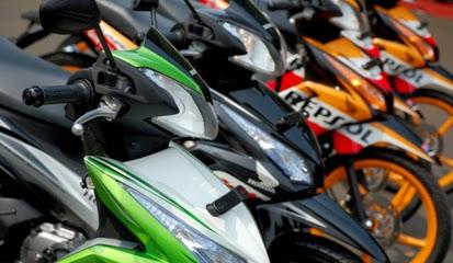 Brosur Harga Kredit Motor New Honda Blade 125 PGM-FI Injeksi Terbaru 2014
