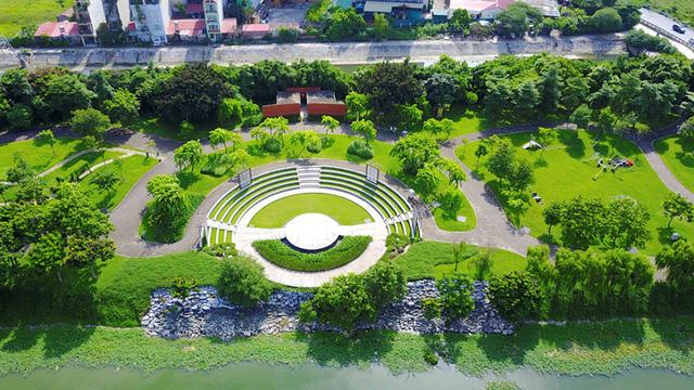 công viên cây xanh mipec city